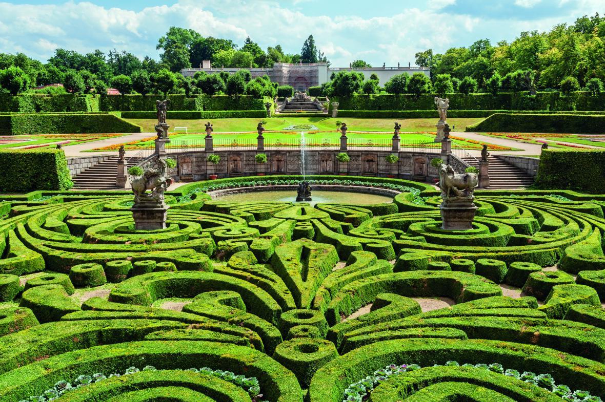 Zámecká zahrada v Dobříši