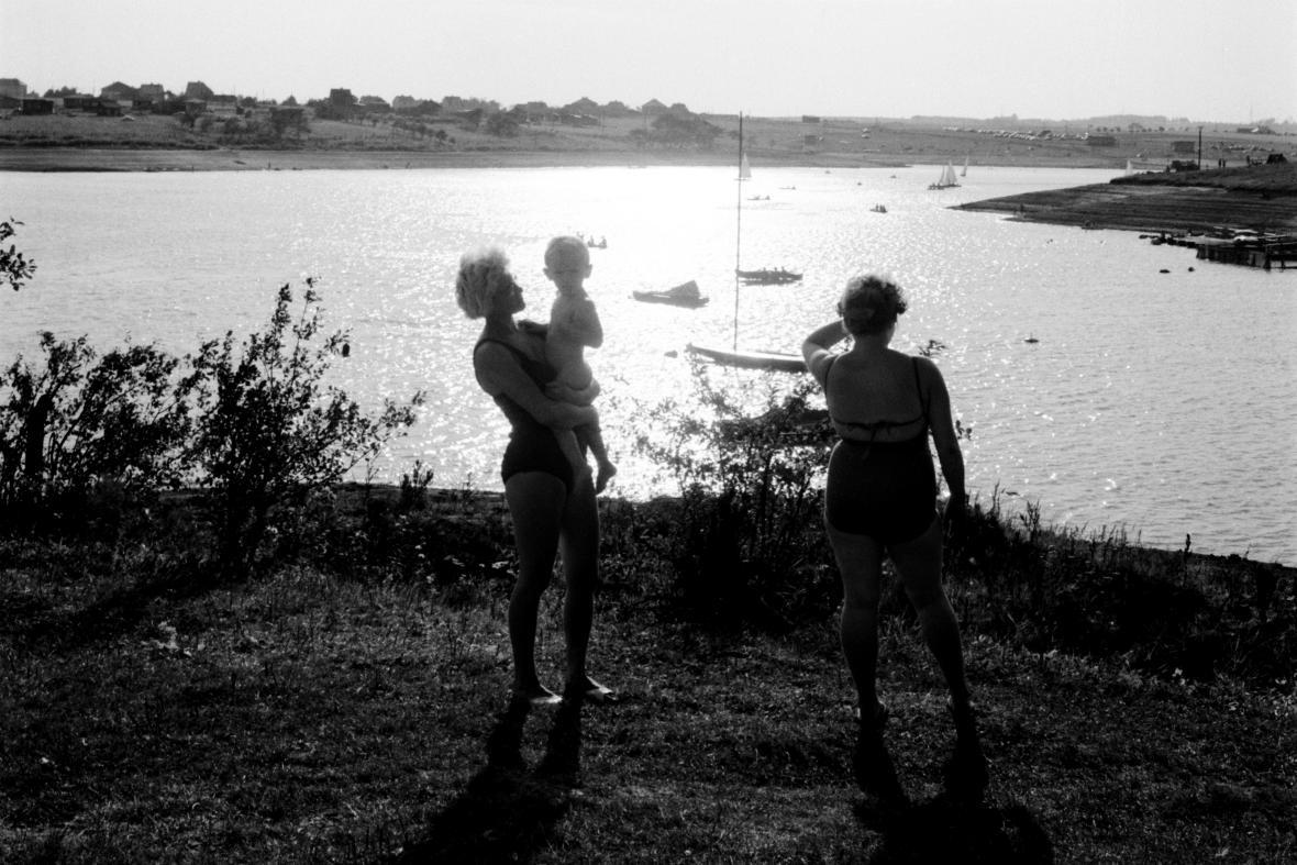 Pozdní odpoledne na přehradě Žermanice (1962)
