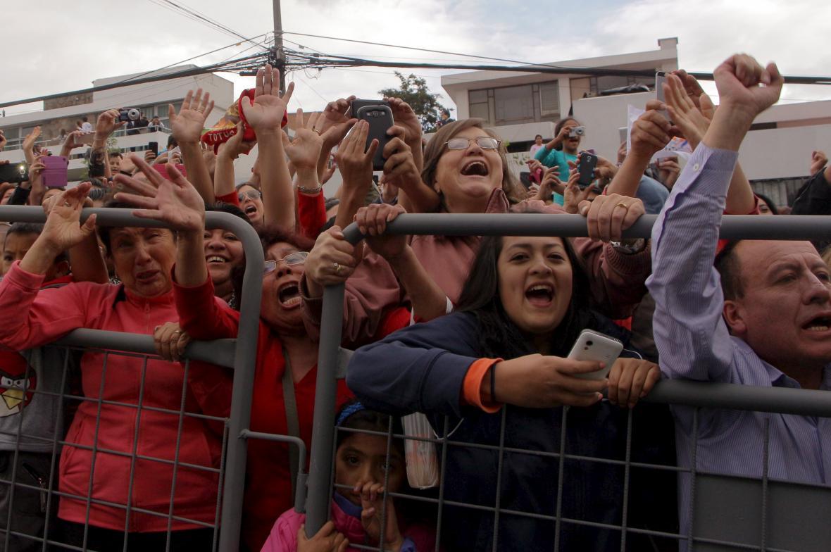 Papeže Františka v Ekvádoru vítaly davy lidí