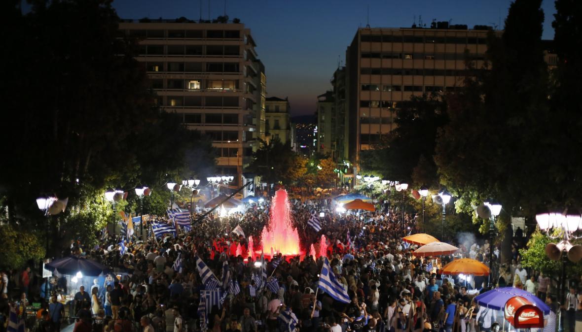 Dějištěm oslav odpůrců věřitelských podmínek se stalo náměstí Syntagma