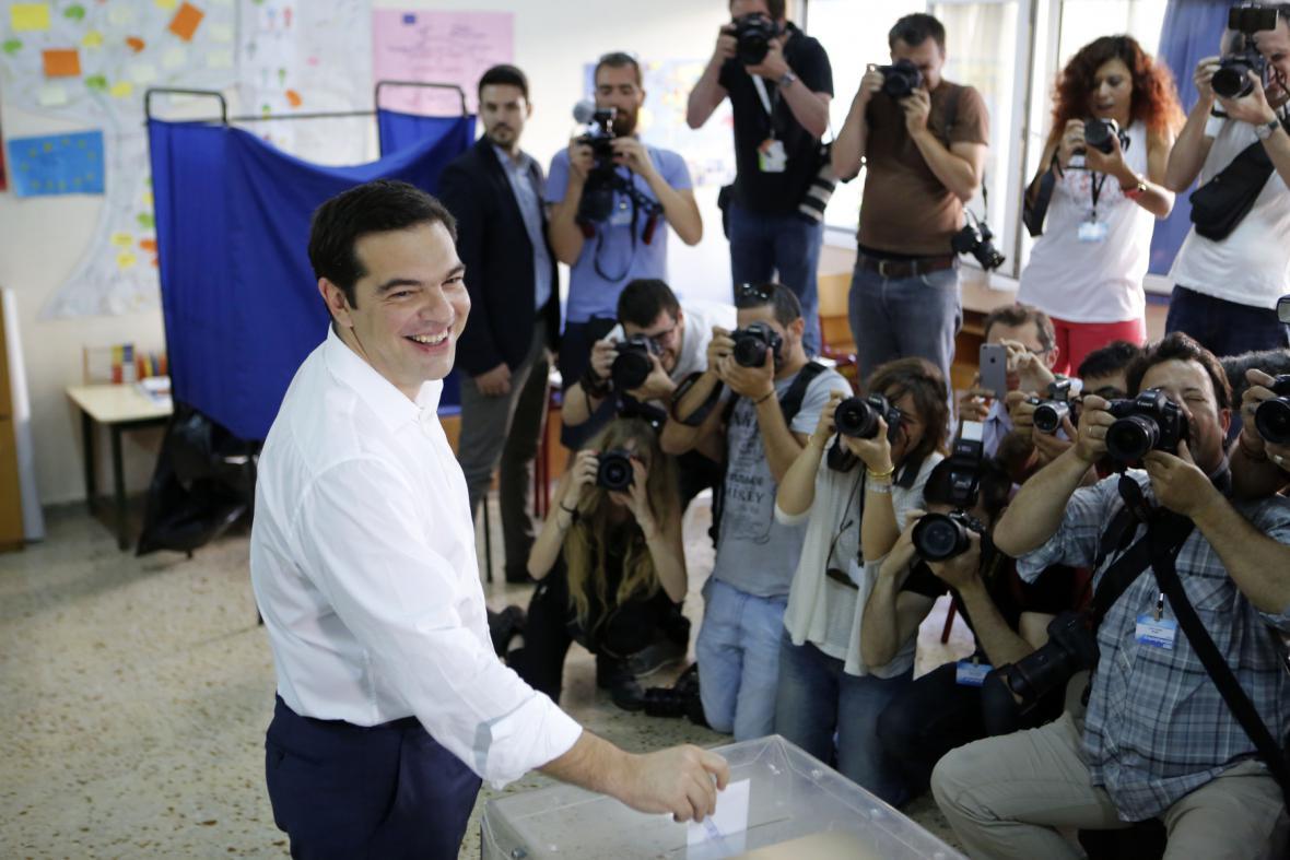 Svůj hlas už odevzdal i premiér Alexis Tsipras