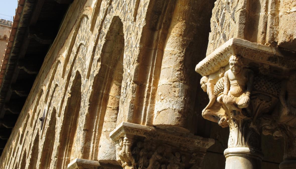 Detail výzdoby kláštera katedrály v Monreale