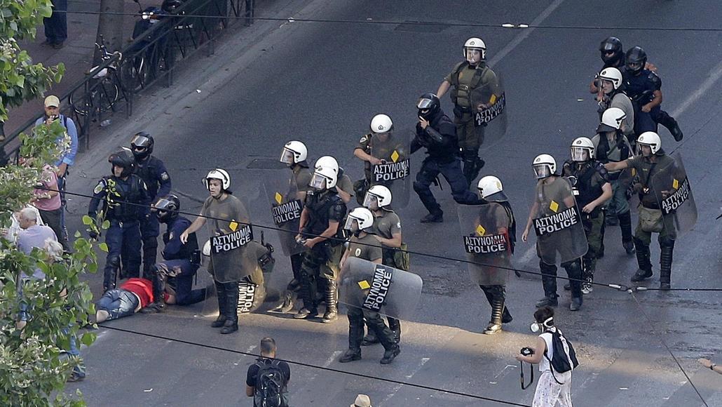 Policie zasáhla proti skupině anarchistů