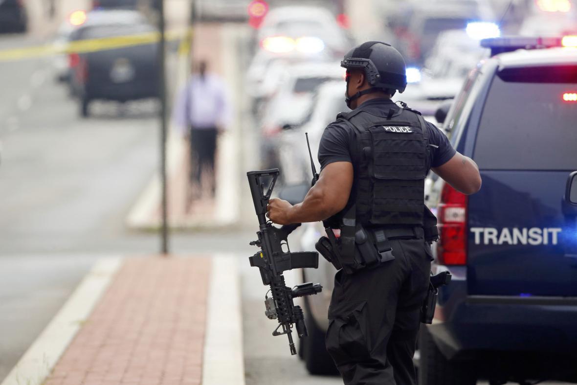 Manévry na místě hlášené střelby
