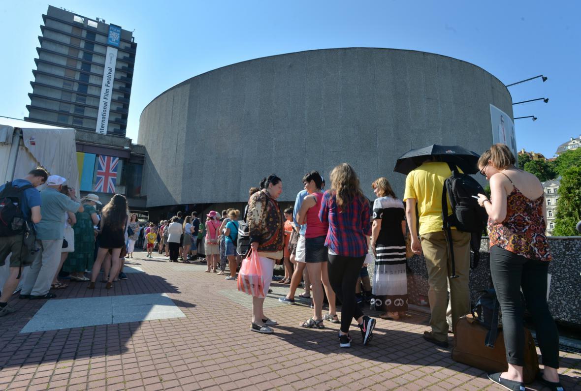 Prodej vstupenek na 50. MFF Karlovy Vary