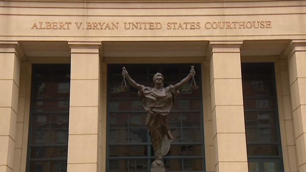 Soud v americké Alexandrii rozhoduje o další stížnosti Dahlgrena