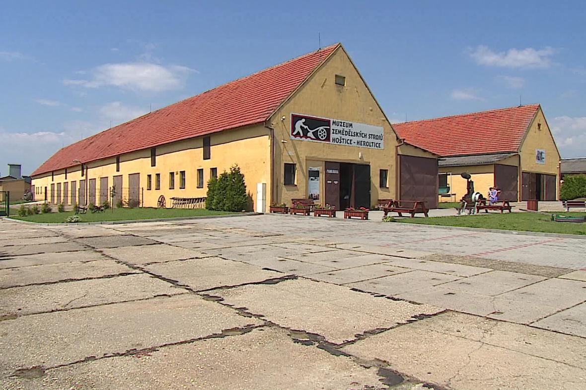 Bývalé JZD v Hošticích-Herolticích na Vyškovsku