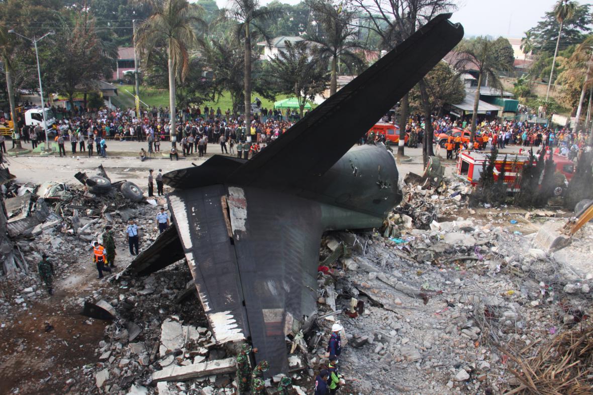 Obraz zkázy ve městě Medan na Sumatře