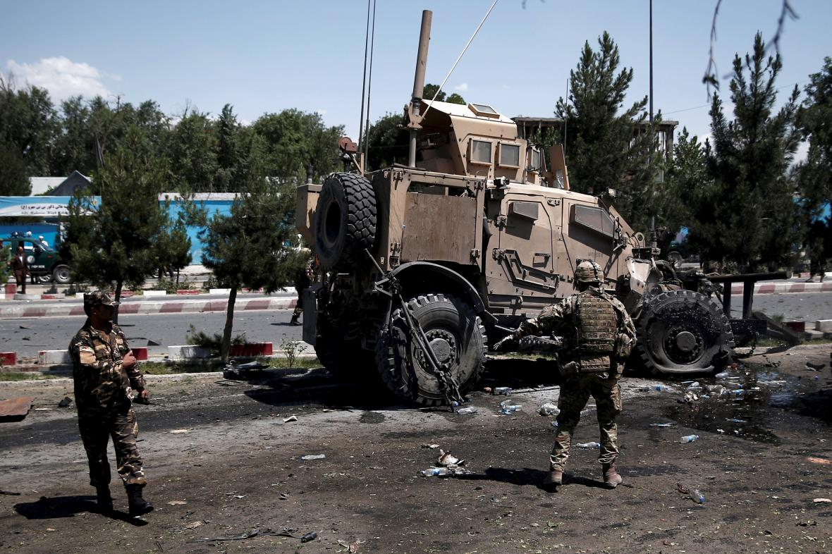 Atentát na konvoj NATO v Kábulu