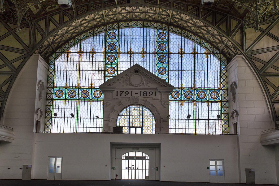 Interiér Průmyslového paláce na pražském Výstavišti