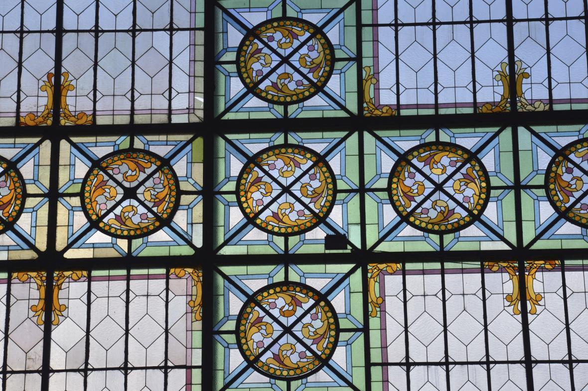 Vitráže v oknech Průmyslového paláce