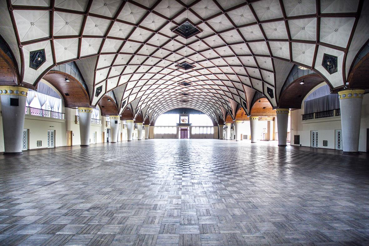 Pravého křídlo Průmyslového paláce pražského Výstaviště