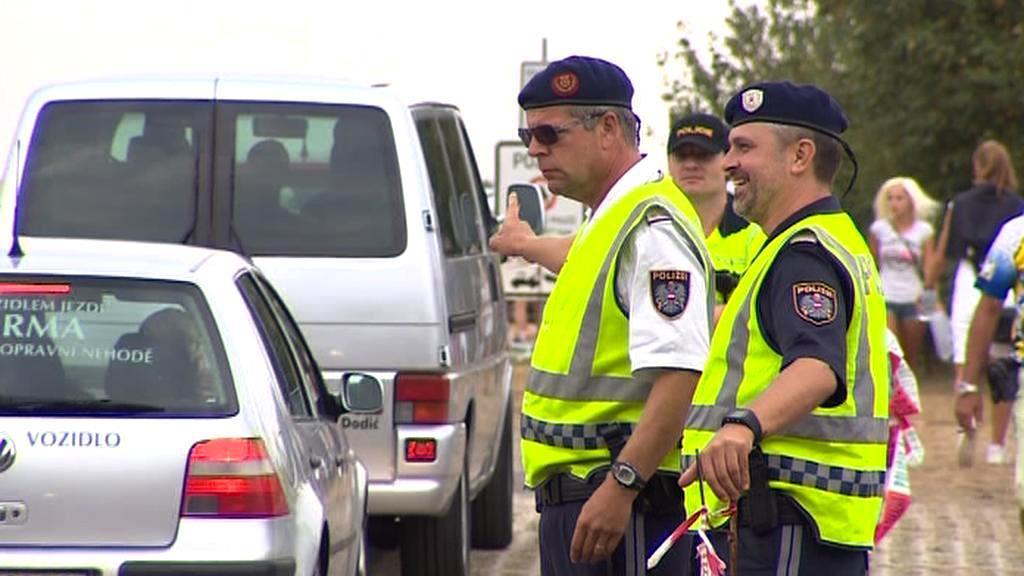 Dopravu museli řídit policisté