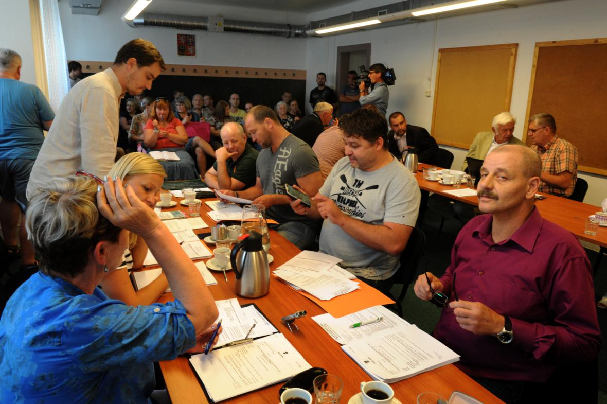 Mimořádné jednání zastupitelů Litvínova