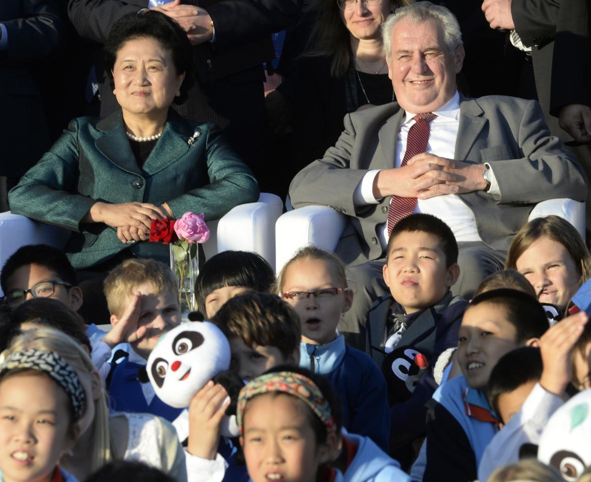 Miloš Zeman a místopředsedkyně čínské Státní rady Liou Jen-tung
