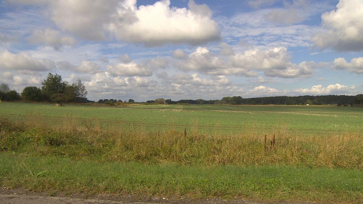 Časy nechtějí prodat své pozemky na stavbu R35