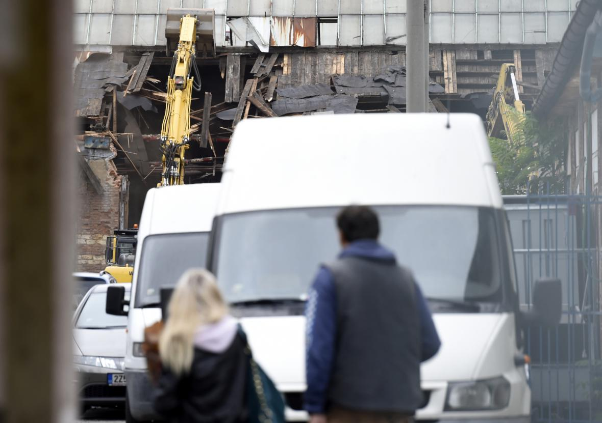 Demolice dílen na nádraží Praha-Bubny