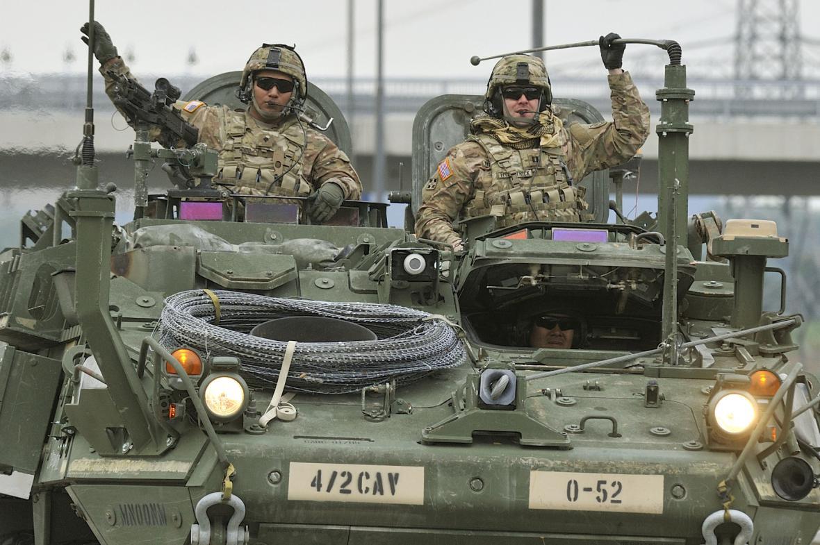 Americký konvoj na hranicích v Rozvadově