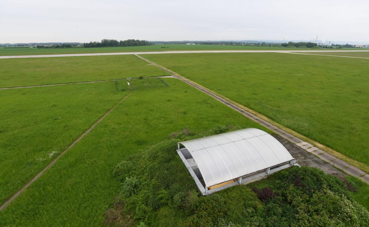 Areál bývalé vrtulníkové základny v Přerově-Bochoři