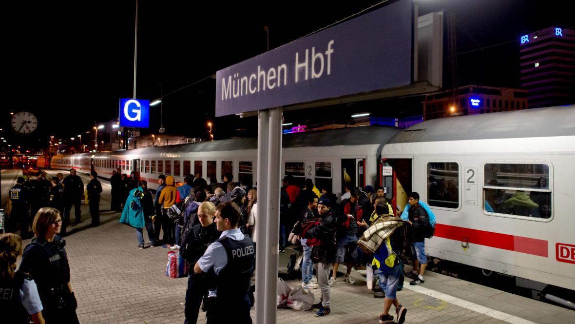 Nádraží v Mnichově, jeden z prvních cílů migrantů v Německu, kteří přichází přes Maďarsko