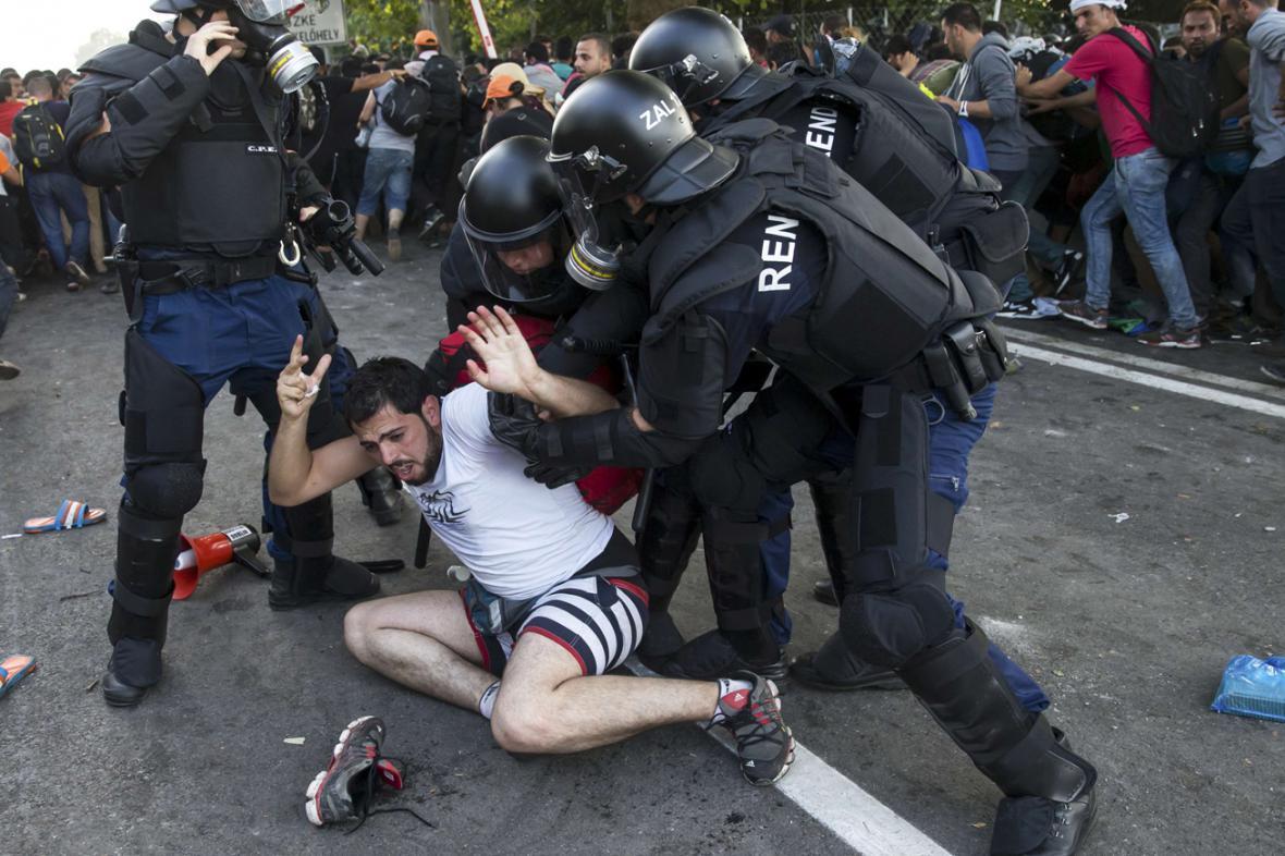 Policejní zásah na srbsko-maďarské hranici