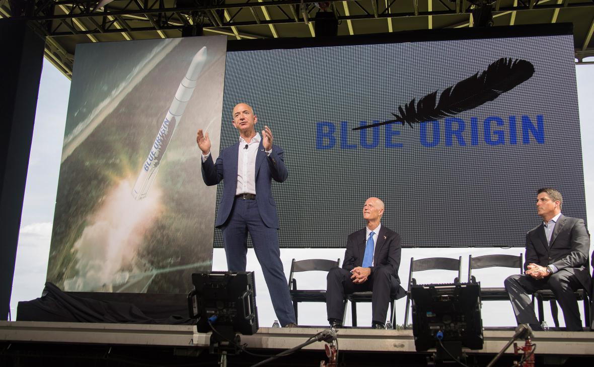 Jeff Bezos prezentuje svůj vesmírný projekt