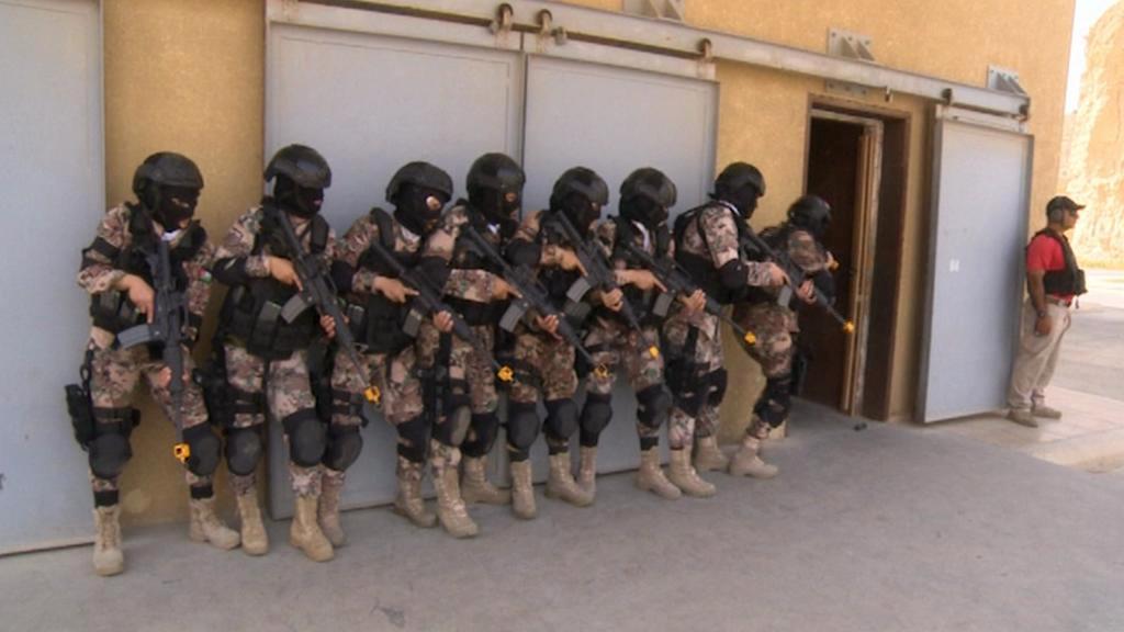 Výcvik elitní jordánské ženské jednotky