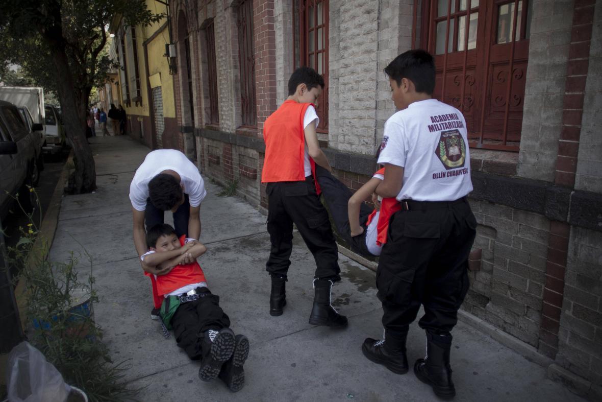 Nácvik reakce na zemětřesení v Mexico City