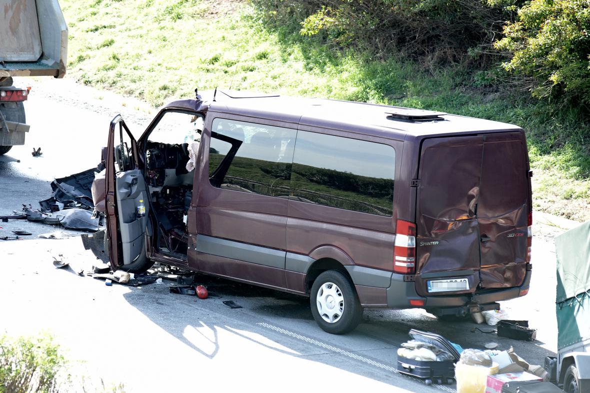 Nehoda polské dodávky na dálnici D1 u Rousínova