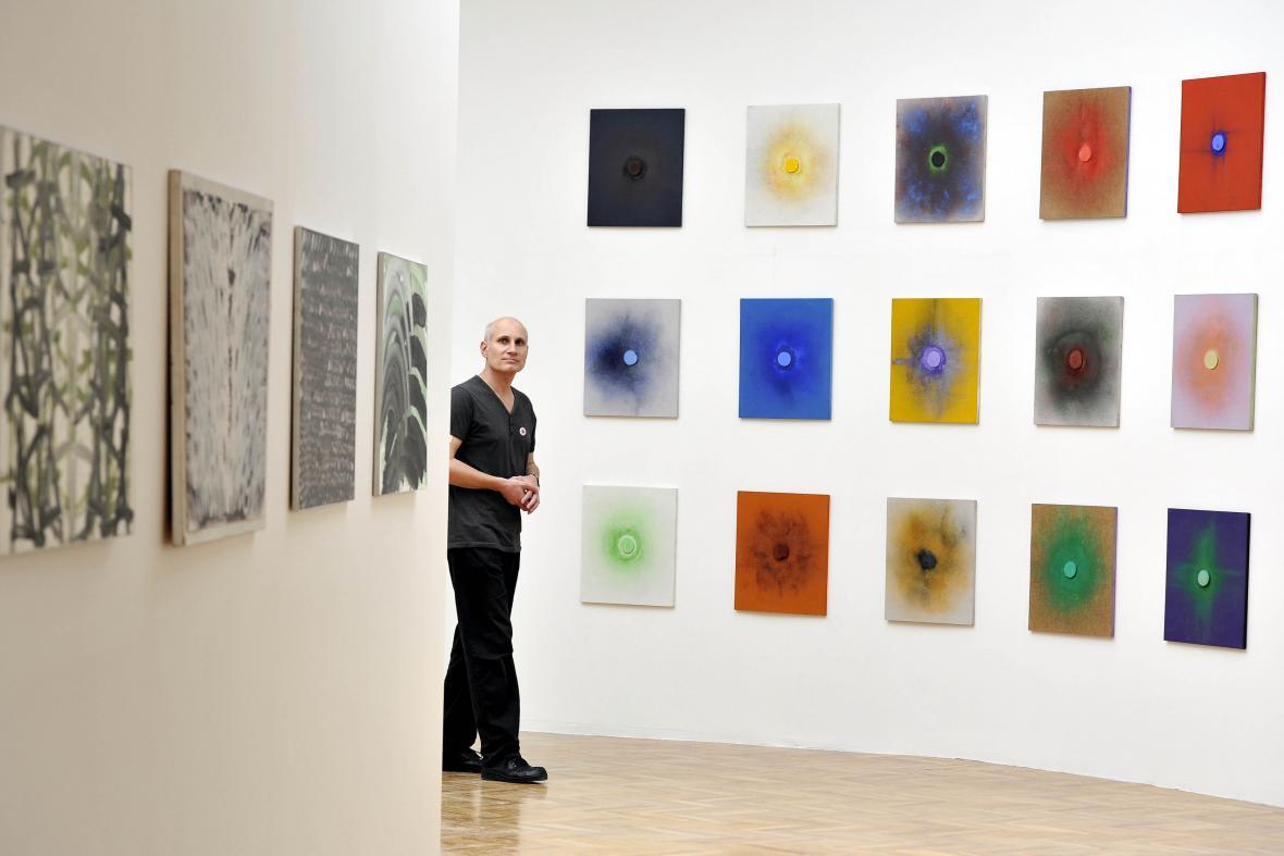 Výstava děl Dalibora Chatrného v Domě umění