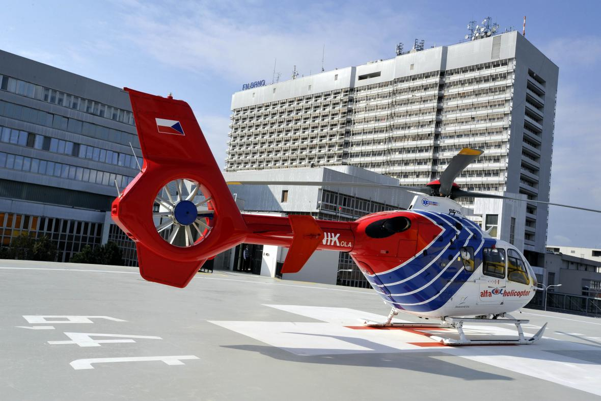 Ve FN Brno končí většina pacientů letecké záchranky