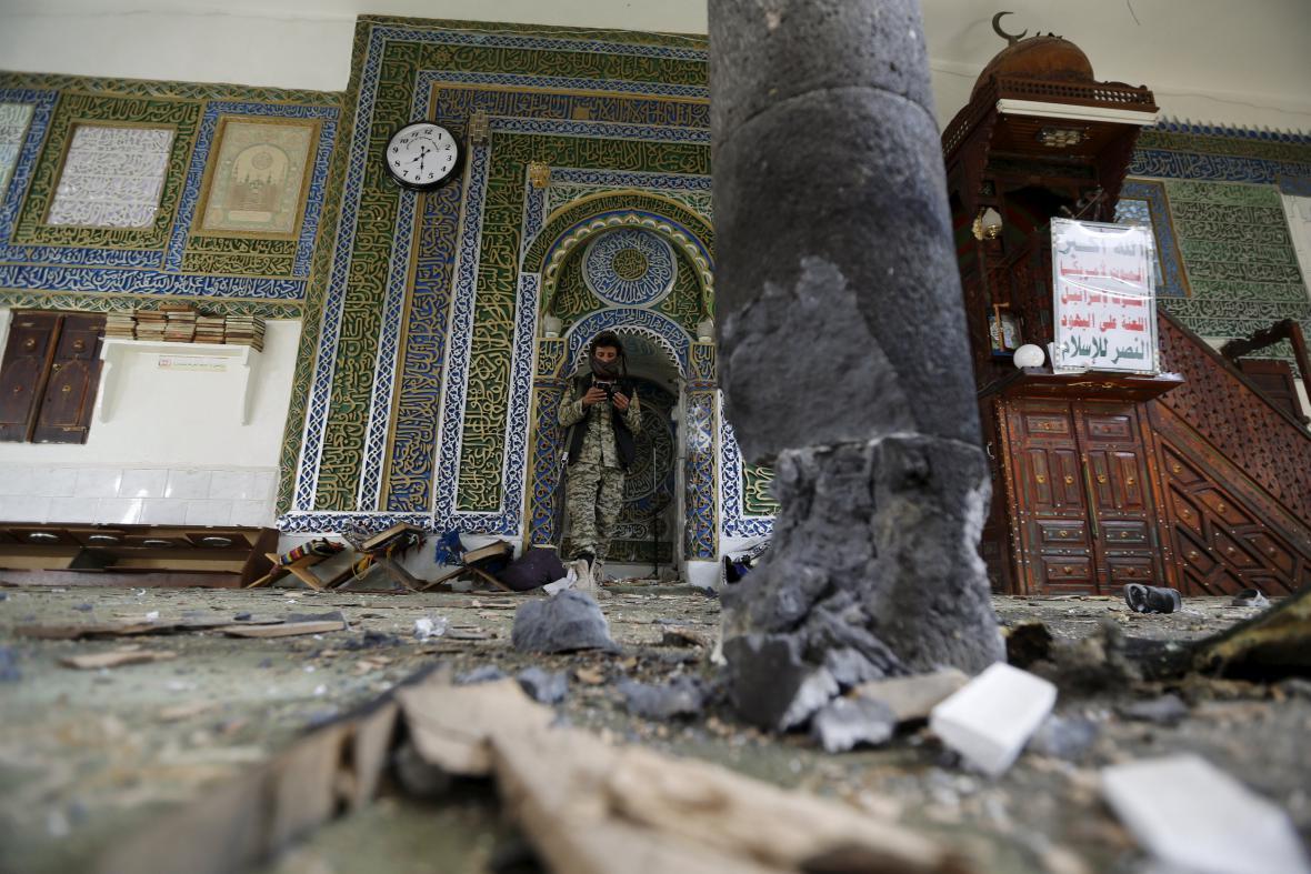 Výbuch v mešitě v Saná