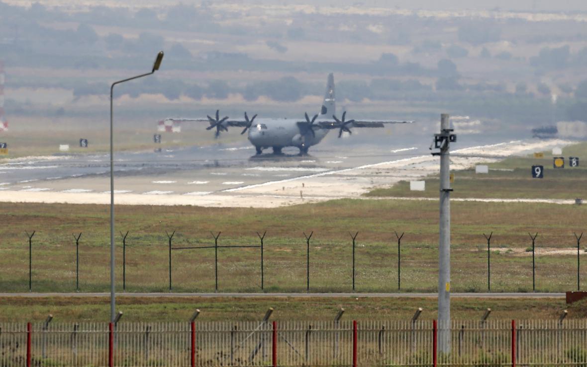 Základna Incirlik - zázemí koaličních náletů na IS