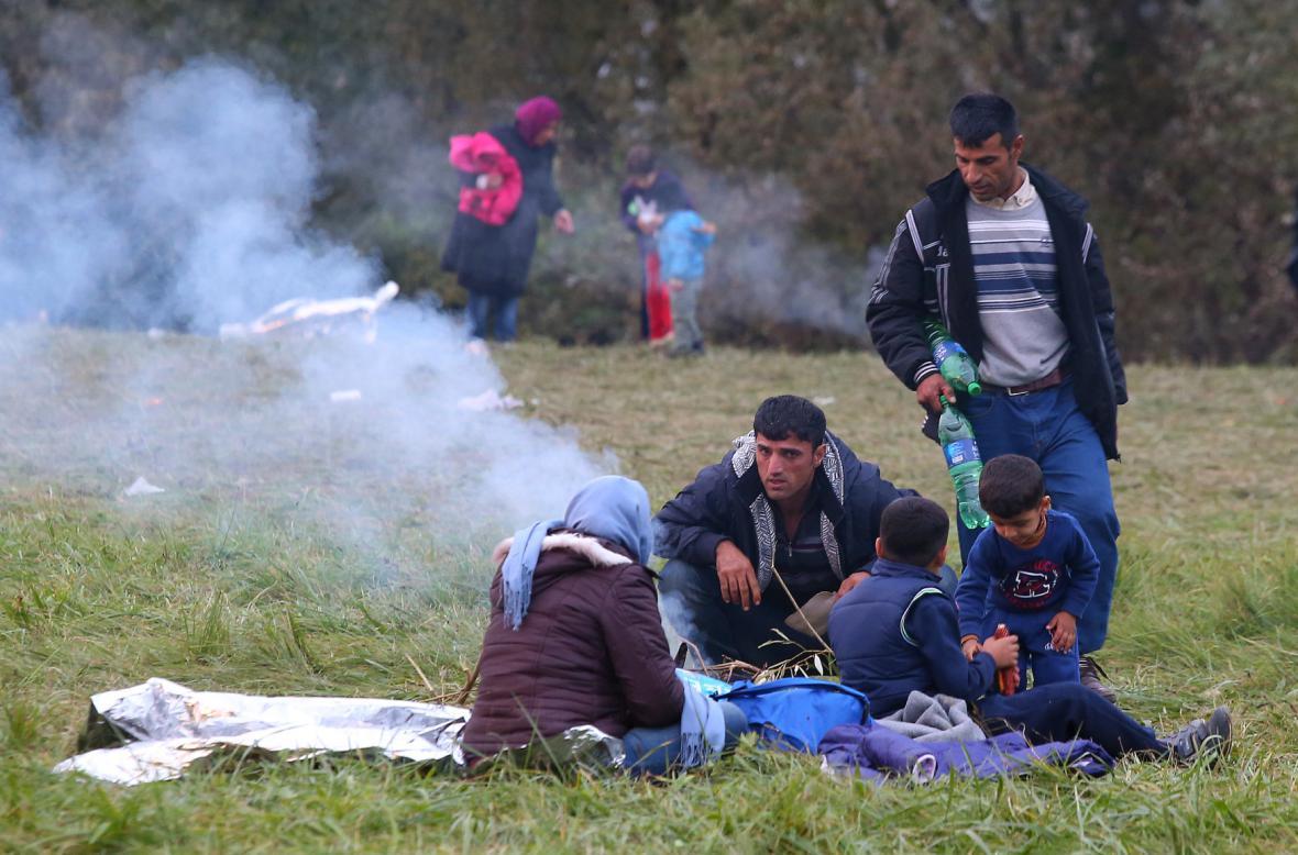 Uprchlíci na slovinsko-chorvatské hranici u města Kljuc Brdovecki