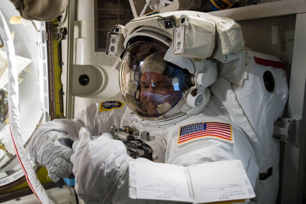Scott Kelly  z Mezinárodní vesmírné stanice (ISS)