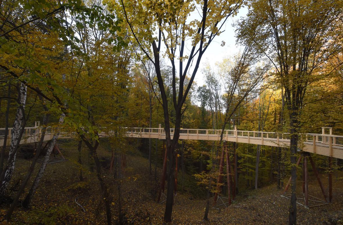 Vzdušný chodník nové naučné stezky ve Frenštátě pod Radhoštěm