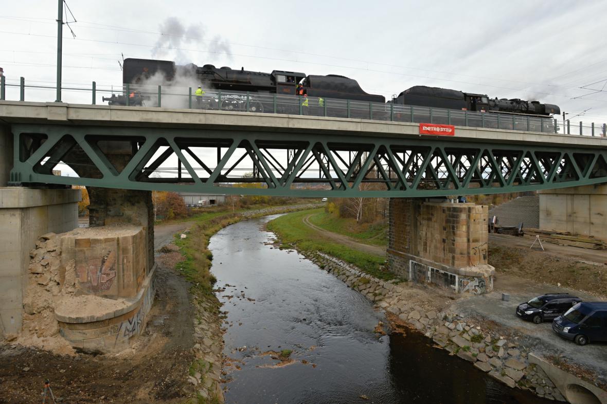 Zkoušky mostů v Plzni