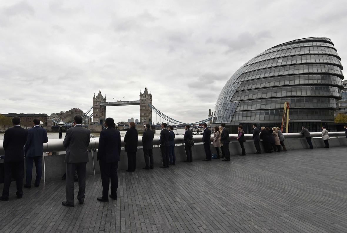 V Londýně se držely dvě minuty ticha