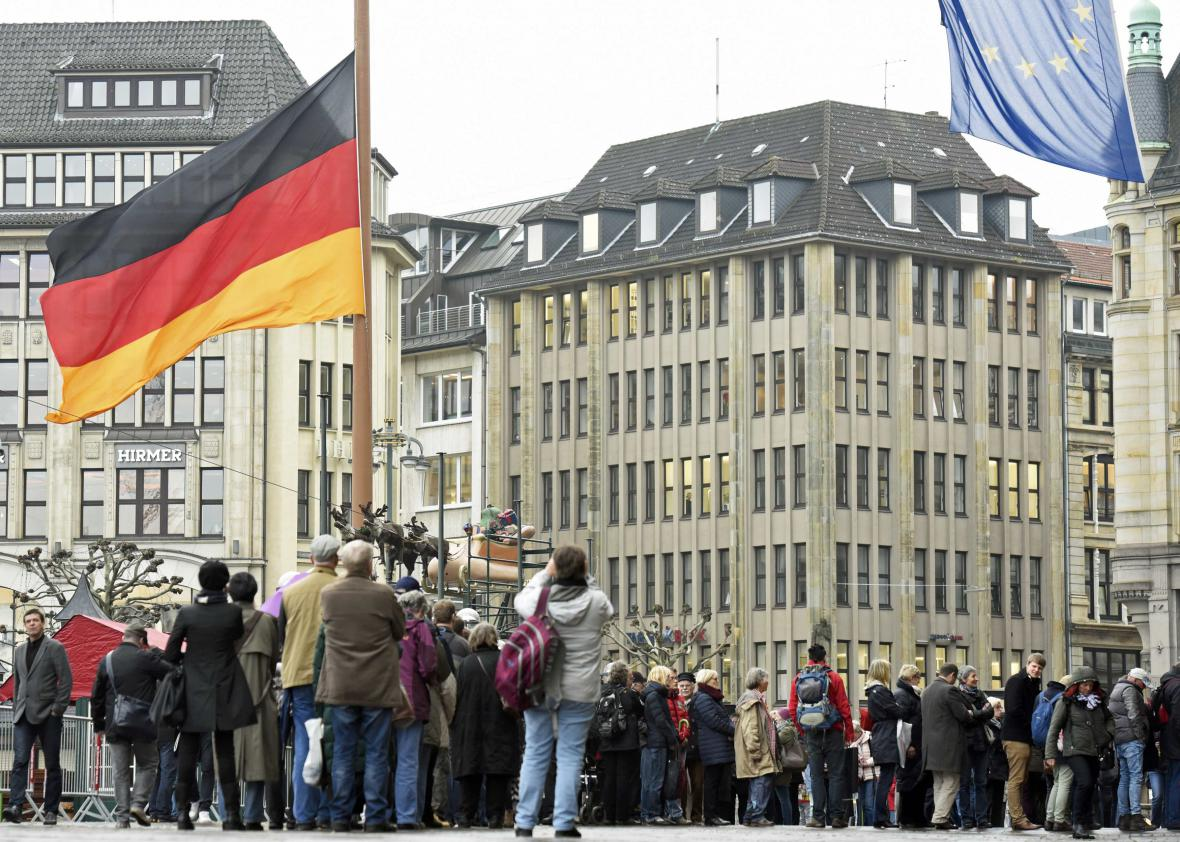 Uctění památky Helmuta Schmidta