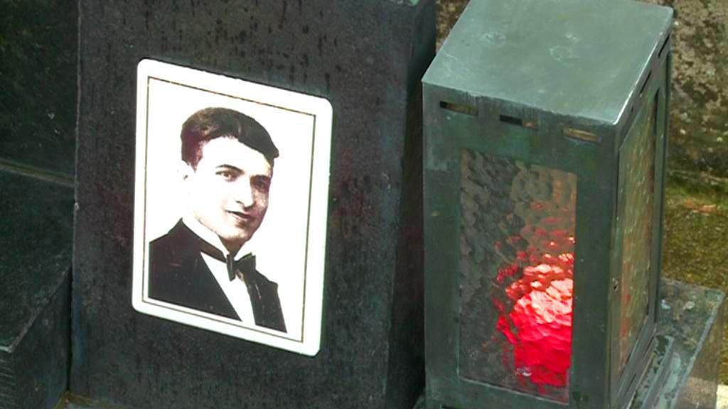 Hrob Jana Opletala