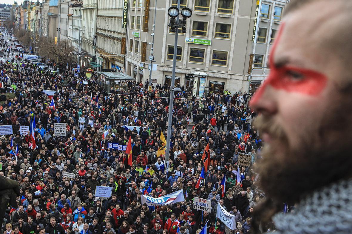 Demonstrace Za naši kulturu a bezpečnou zem na Václavském náměstí