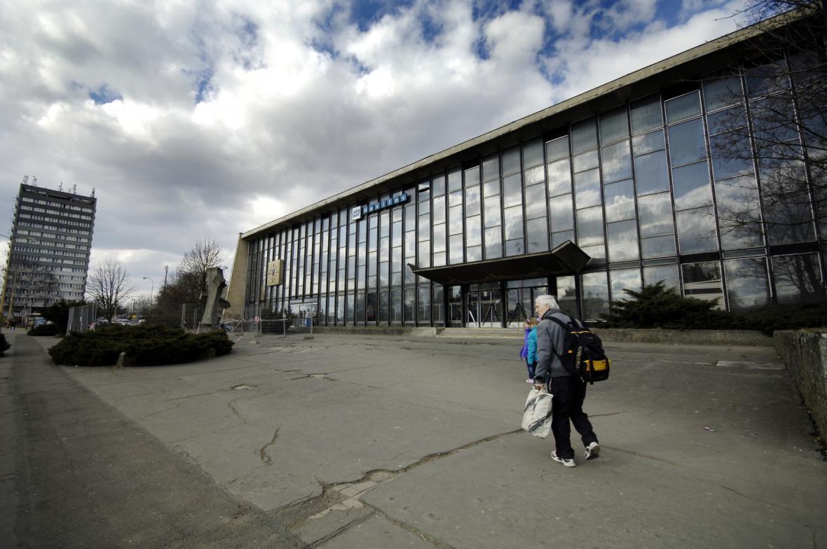 Budova vlakového nádraží v Havířově
