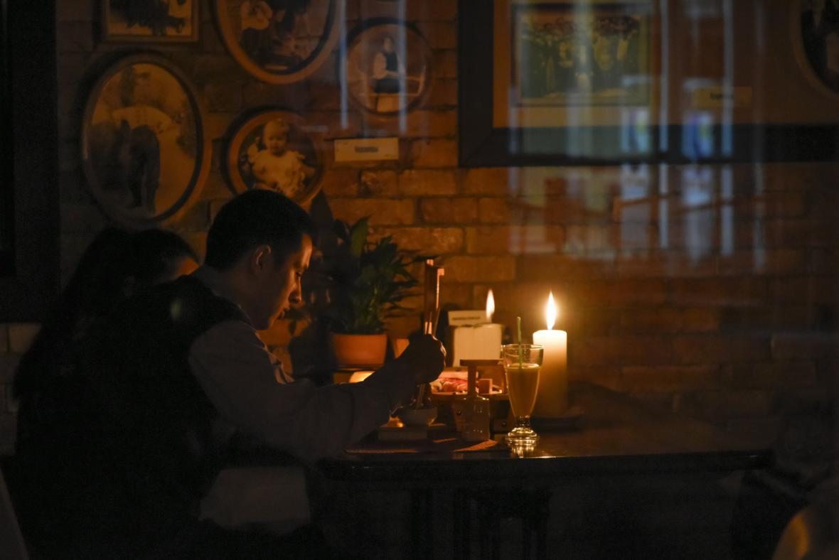 Večer při svíčkách v krymském Simferopolu