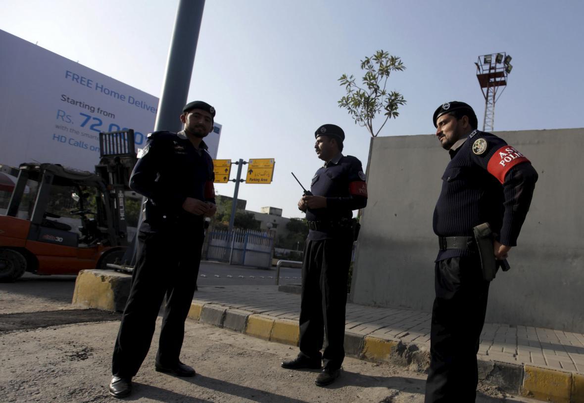 Členové ochranky letiště v Islámábádu
