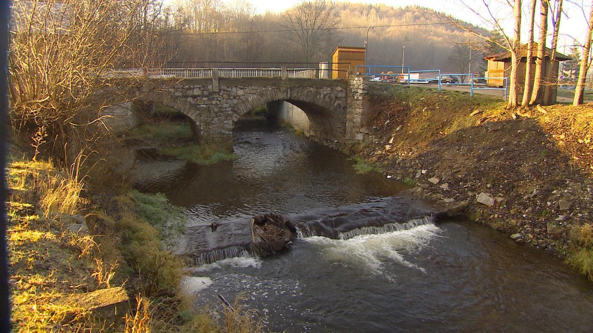 Most přes Polečnici