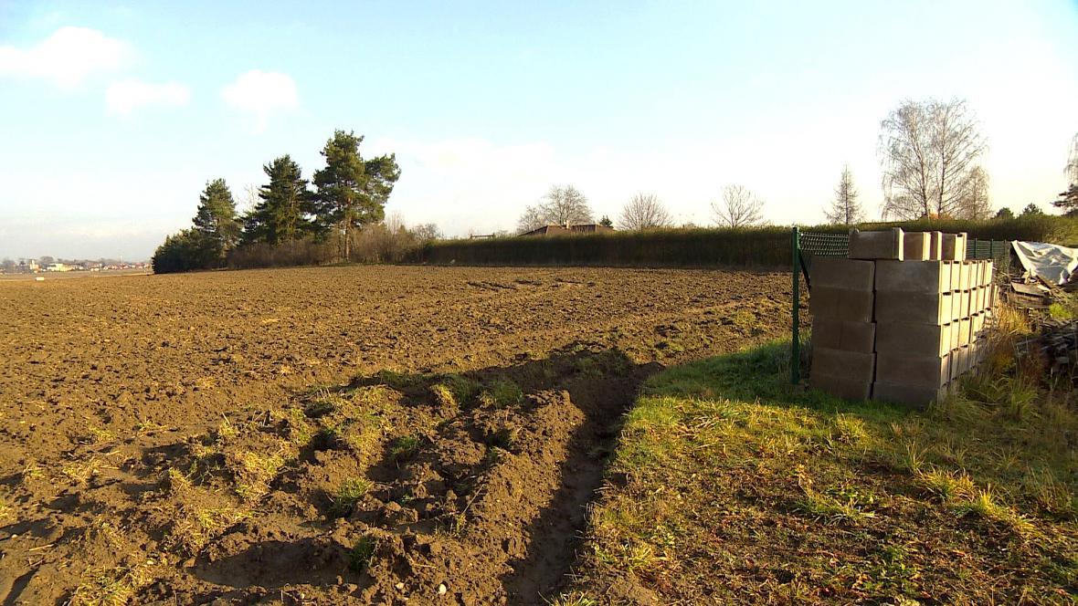 Blokované pozemky v Kostěnicích