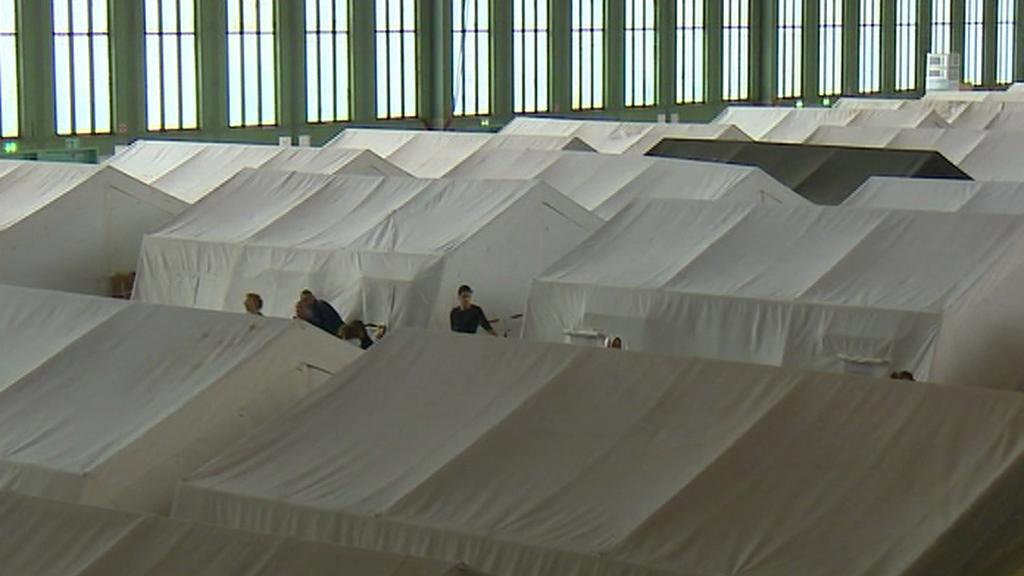 Bývalé berlínské letiště Tempelhof se mění na dočasnou ubytovnu pro migranty