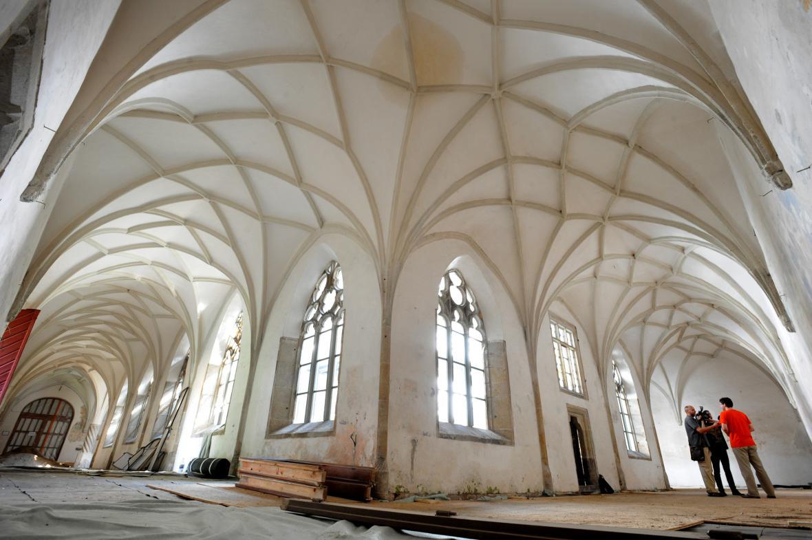 Obnova křížové chodby v klášteře minoritů