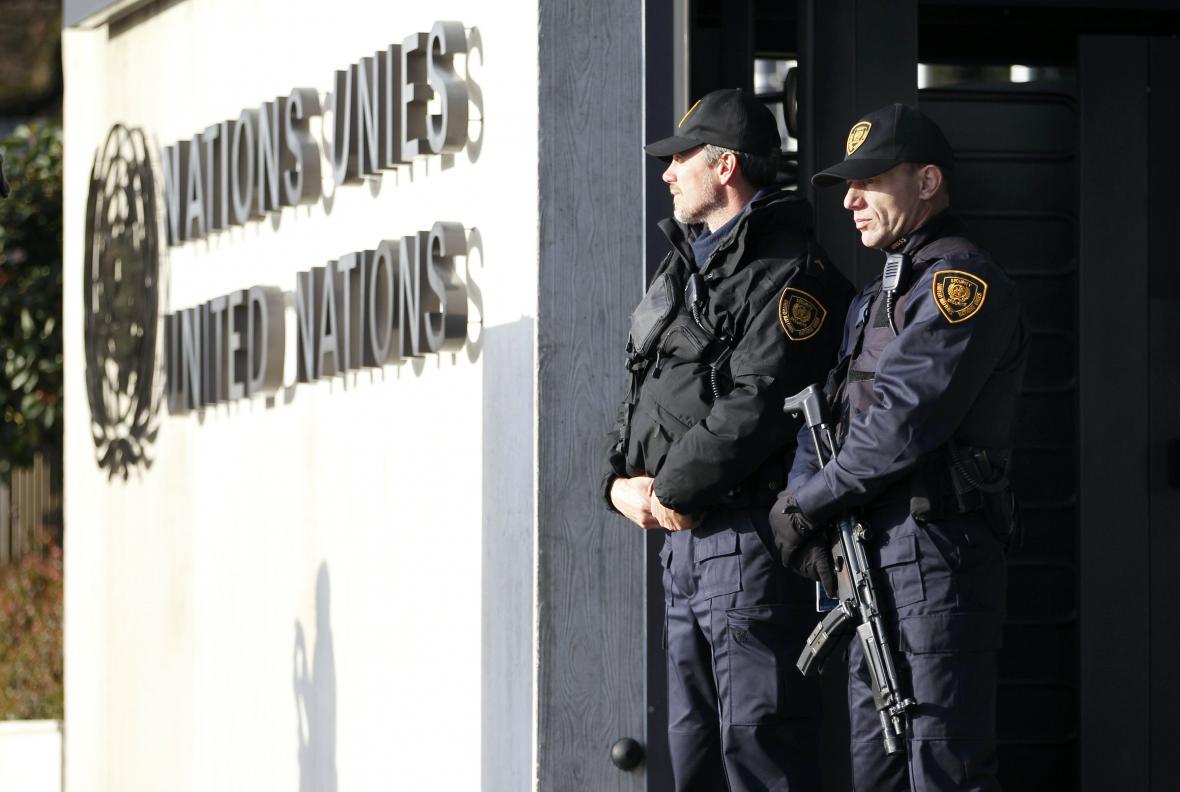 Ochranka před budovou OSN v Ženevě