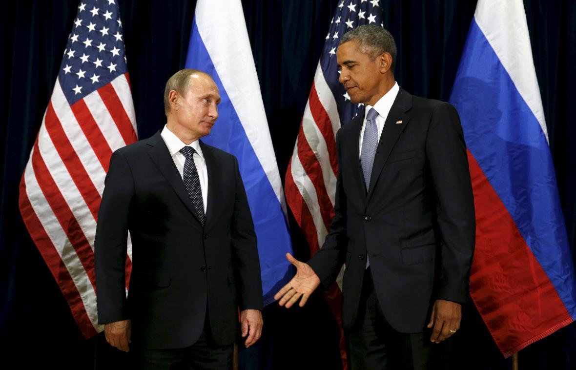 Září 2015. Barrack Obama zdraví Vladimira Putina před zasedáním Valného shromáždění OSN